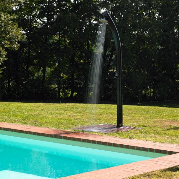 douche de piscine