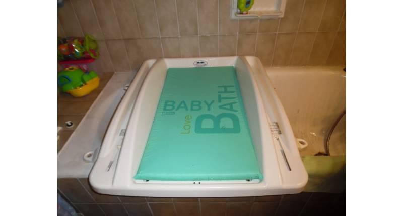 table à langer pour baignoire