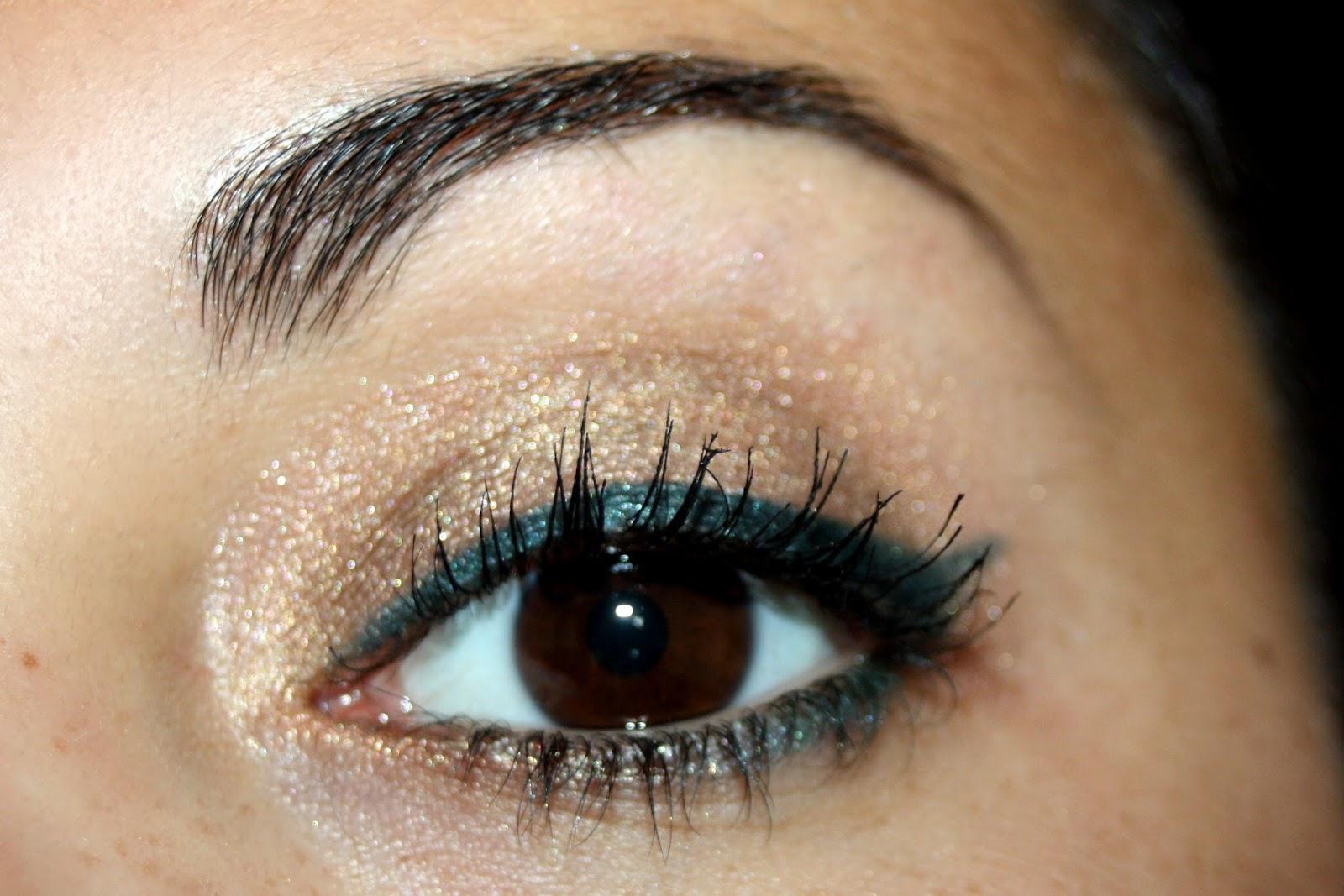 eye liner vert foncé